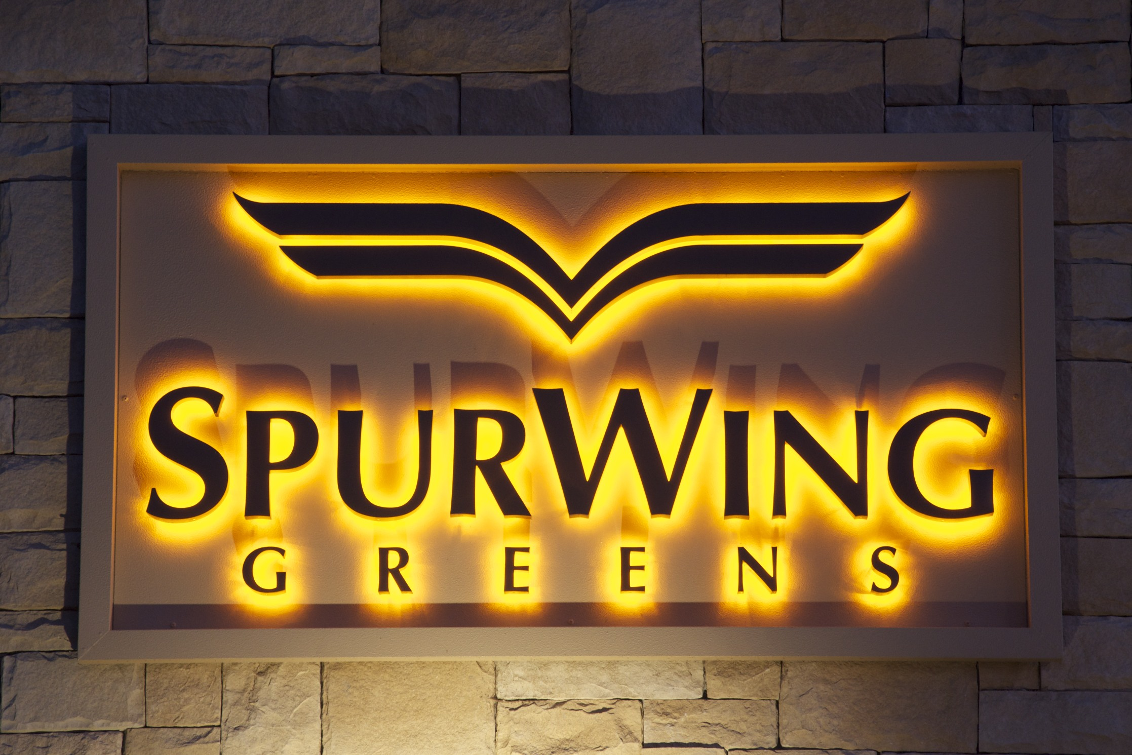 Spurwing Greens Lighted Monument