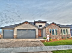 Cypress model built by Blackstead Building Co in Spurwing Greeens. Photos