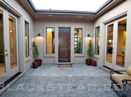 Beautiful Silver Oak Courtyard with gas fireplace
